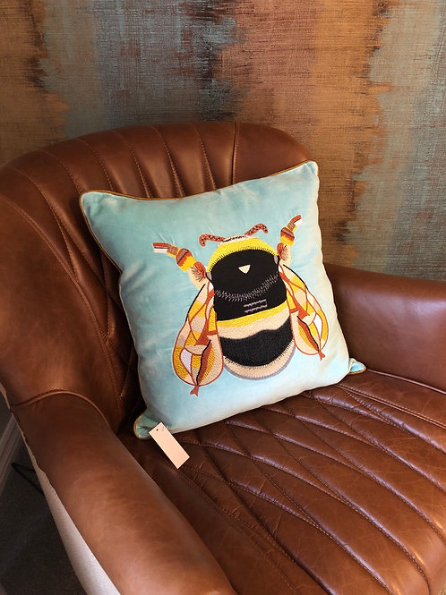 BEE Aqua cushion
