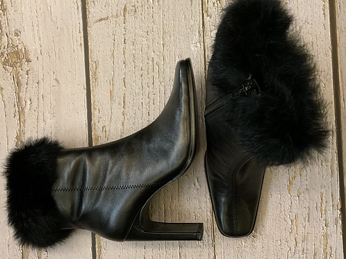 BLACK LEATHER WITH REAL FUR TRIM SHORT BOOTS