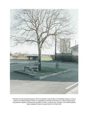 Le banc et le parking