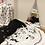 Thumbnail: שטיחון משחק מונוכרומטי