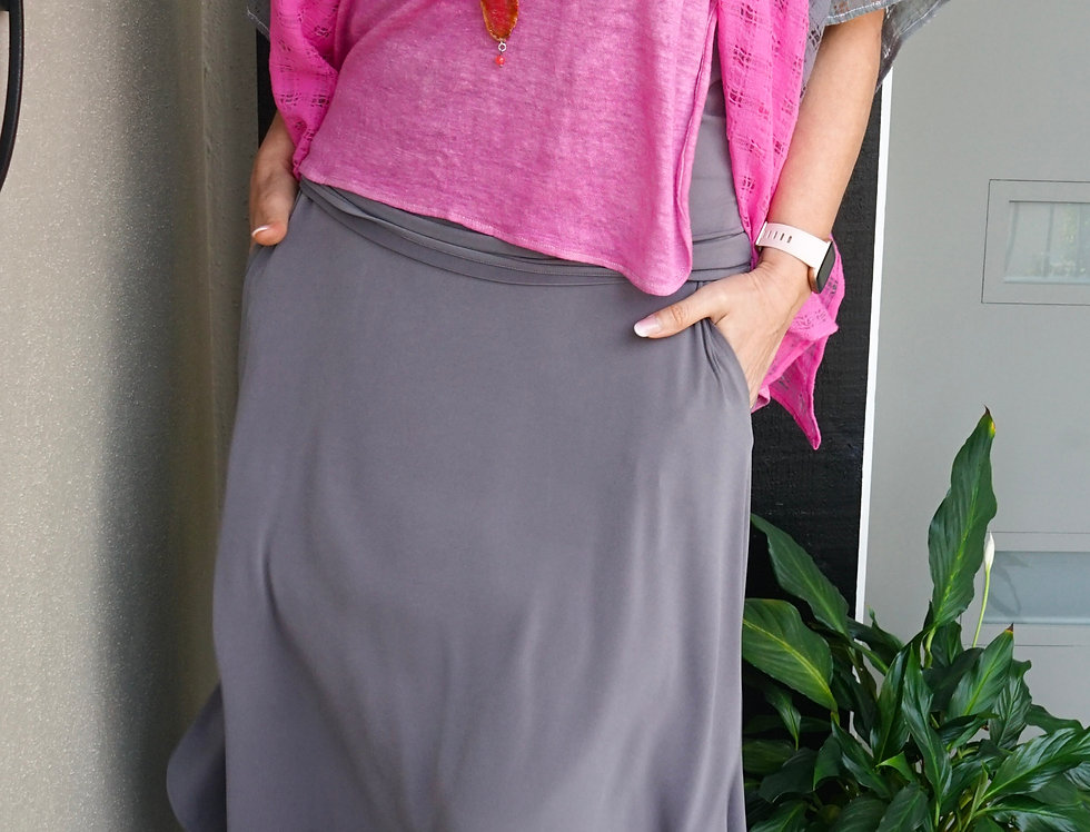 Easy Free Flowing Skirt With Pockets