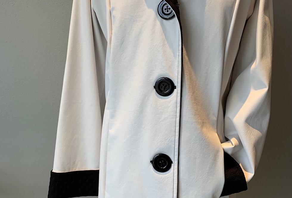 Classic Raincoat (Creme/black)