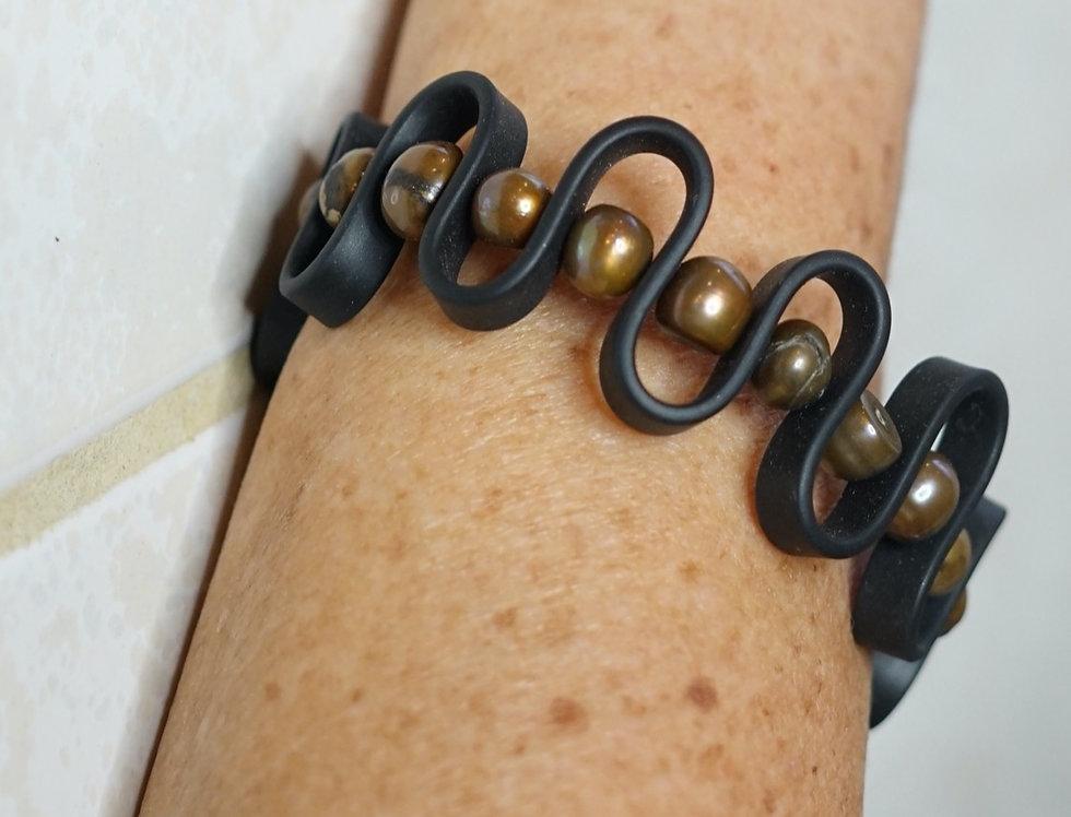 Pearl & Rubber Wave Bracelet