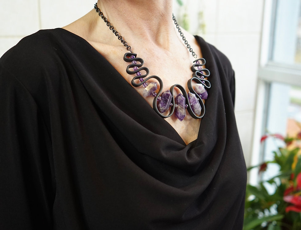 Amethyst & Rubber Wave Necklace