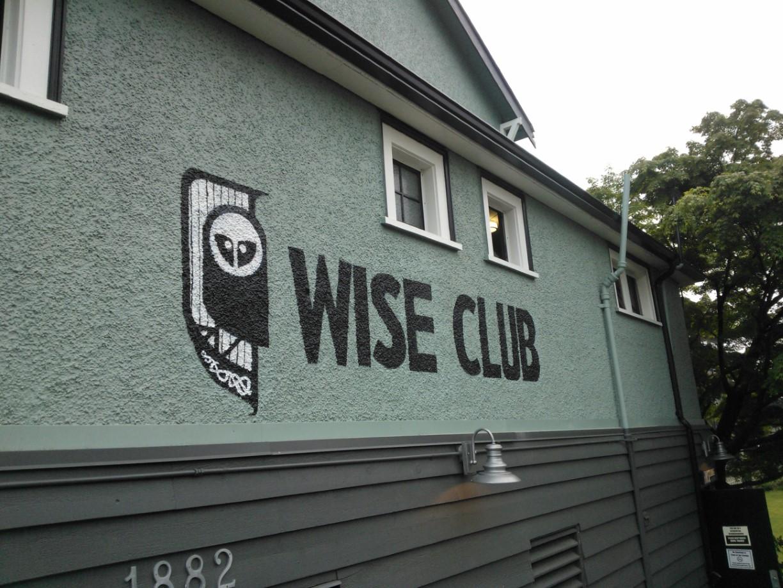Wise Club mural
