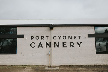 Port_Cygnet_Cannery_©_www.damienmilan.co