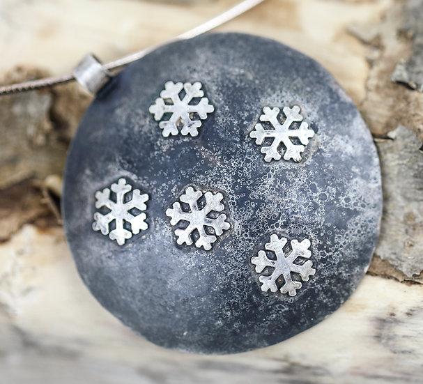 Snowflake Pendant / Tlws Crog Pluen Eira