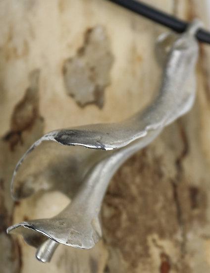 Silver Shell Pendant / Tlws Crog Cregyn Arian