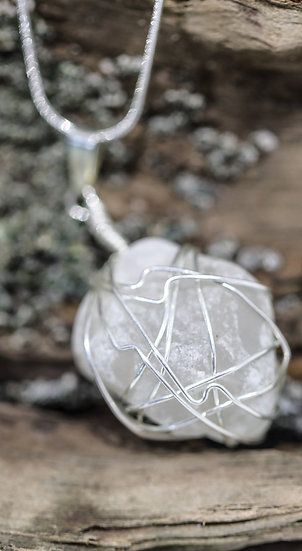 Sea Glass Necklace / Mwclis Gwydr Môr