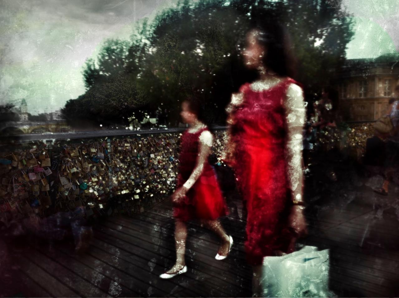 Mère & fille sur le Pont des Arts