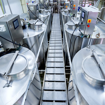 How to reduce cabinet clutter in food production