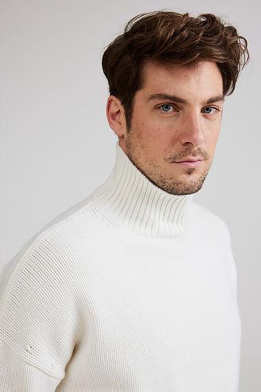 Winterwhite-rollneck-knit-2608.jpg