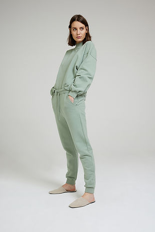 jogger-outfit-dusty-reed-6008.jpg