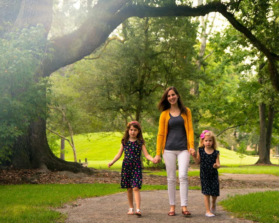 mom, girls, daughters, meagan stone photography, family photographer, LSU Hilltop Arboretum