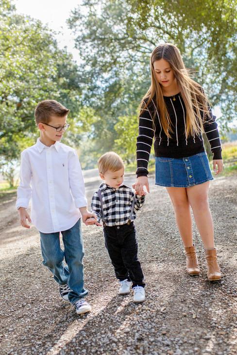 children, siblings, baton rouge, meagan stone photography, lifestyle photography, brand photographer, family photographer