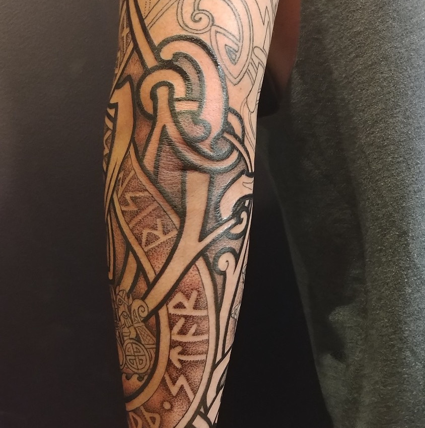 Knotwork Sleeve