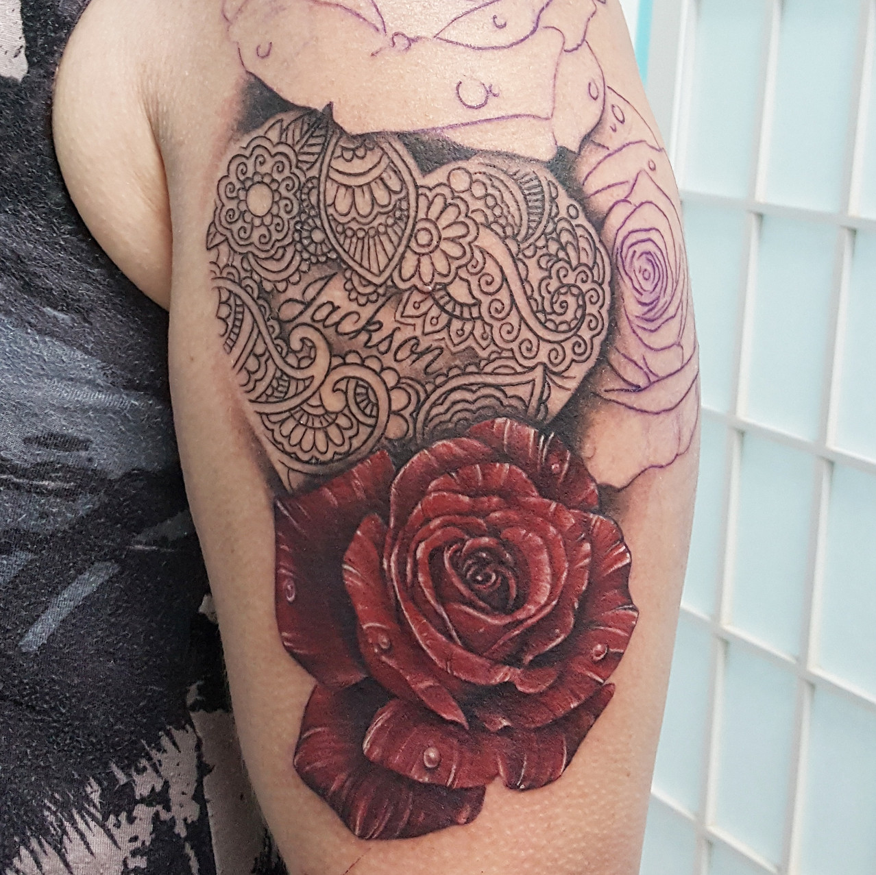 Custom name/heart and Roses