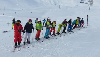 samen leren skiën