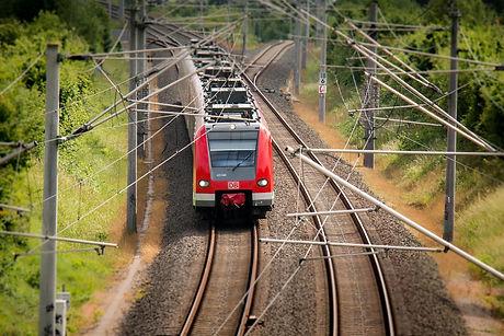 train-797072_1920_3bbc2a875b.jpeg