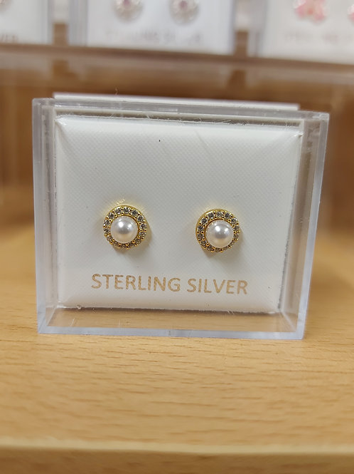 Gold plated with cubic zirconia and faux pearl round earrings. 925 silver.