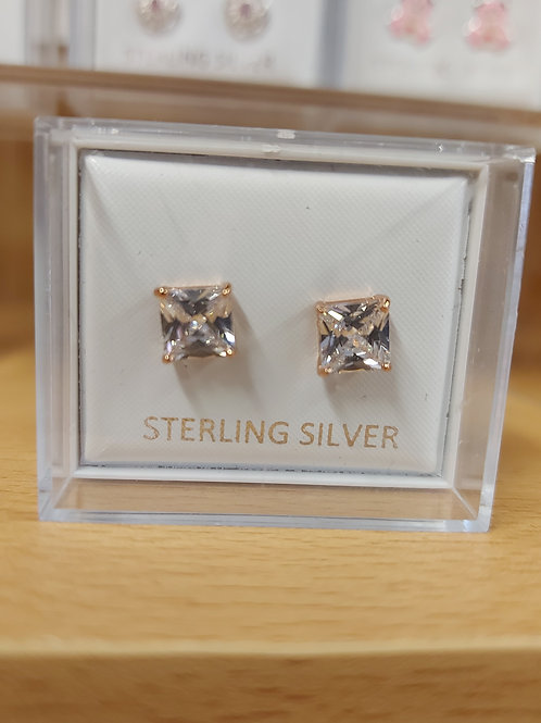 Classic square clear crystal colour earring set in gold claw. 925 silver.
