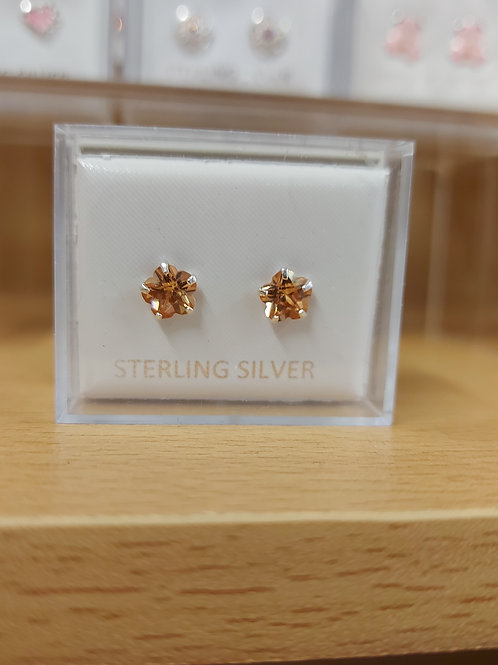 Champagne coloured star earrings. 925 silver.