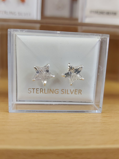 Classic star shape earrings. 925 silver.