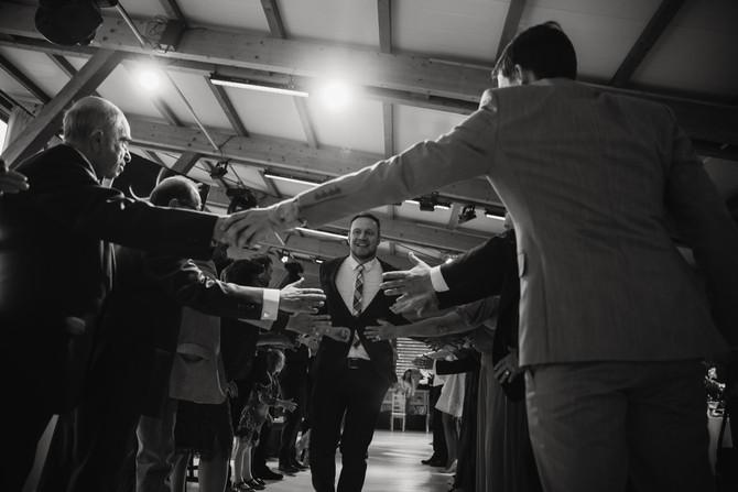 15 вопросов свадебному ведущему или как выбрать ведущего на свадьбу?