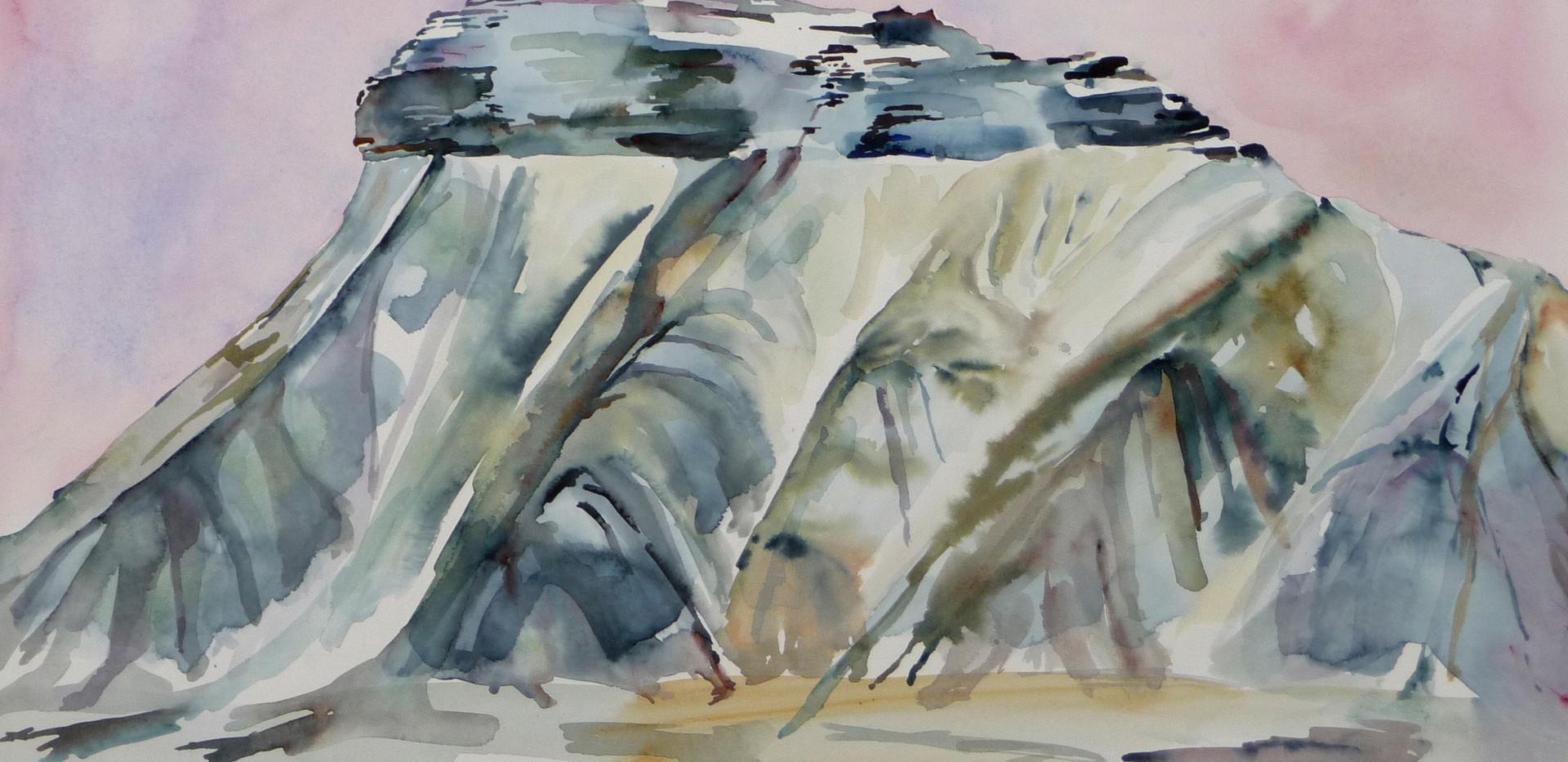 Pyramiden mountain - Large