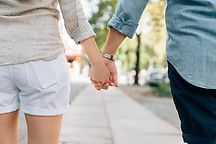 holding-hands-1149411__340.jpg