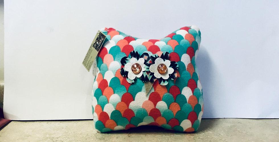"""11"""" owl pillow"""