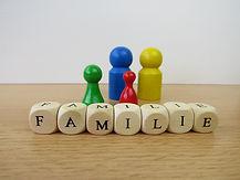 family-658453_1920.jpg