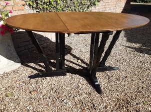 Arts & Crafts Rupert Grittiths Oak Drop Leaf Dining Table