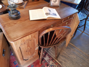 Victorian Pitch Pine Knee Hole Desk