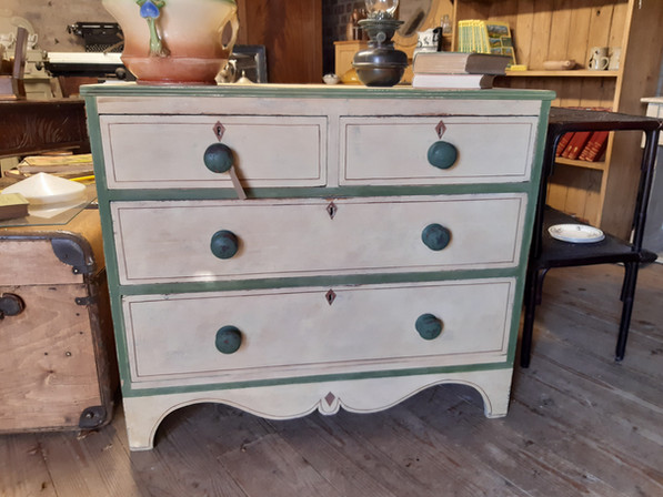Decorated Victorian Chest of Drawers £335