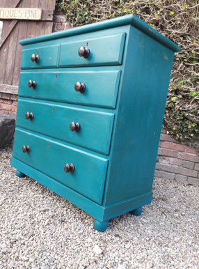 Painted Victorian Pine Chest of Drawers £345