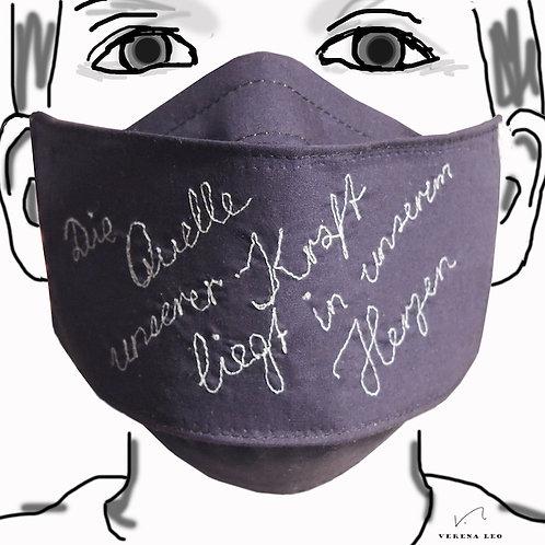3-lagige Gesichtsmaske mit gesticktem Text
