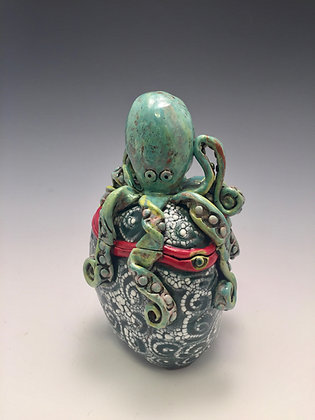 Pulpo Verde - SOLD - Jar with Octopus