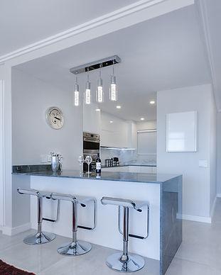 modern-minimalist-kitchen-3098477_1920.j