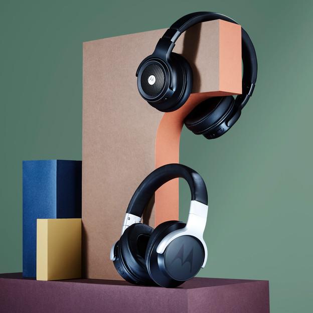 Headphones_001.jpg