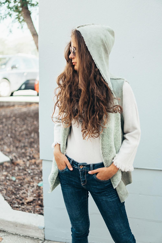 #haveagreatday #positivevibes #style #ootd #fashion #fashionblogger #styleblogger #streetstyle #orlandoblogger #blogger #outfits