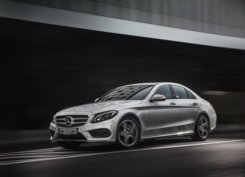 Mercedes_C220.jpg