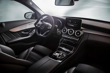 Mercedes_c220_3.jpg
