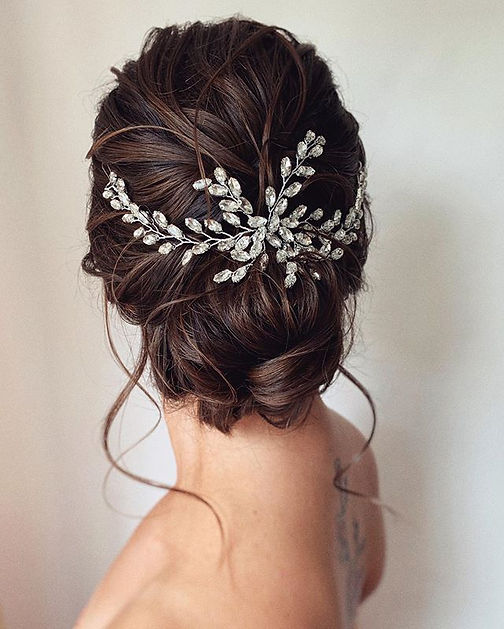 Textured bridal hair weding hair bun