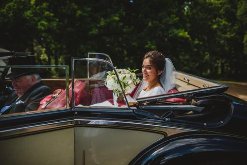 bride-in-retro-car.jpg