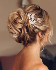 messy-bun-hairstyle.jpg
