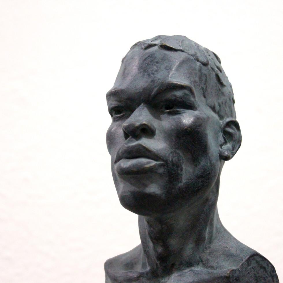 escultura . FERNANDO POLETTI . homem negro