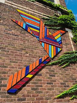 Origami Bird in Flight (exterior building)