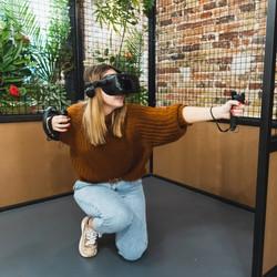 Joueuse realite virtuelle VRandco