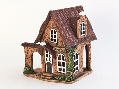 House candle holder /Oil Incense Burner Size: 7,5x7x8,5 cm.  SKU:33h-DTC-01